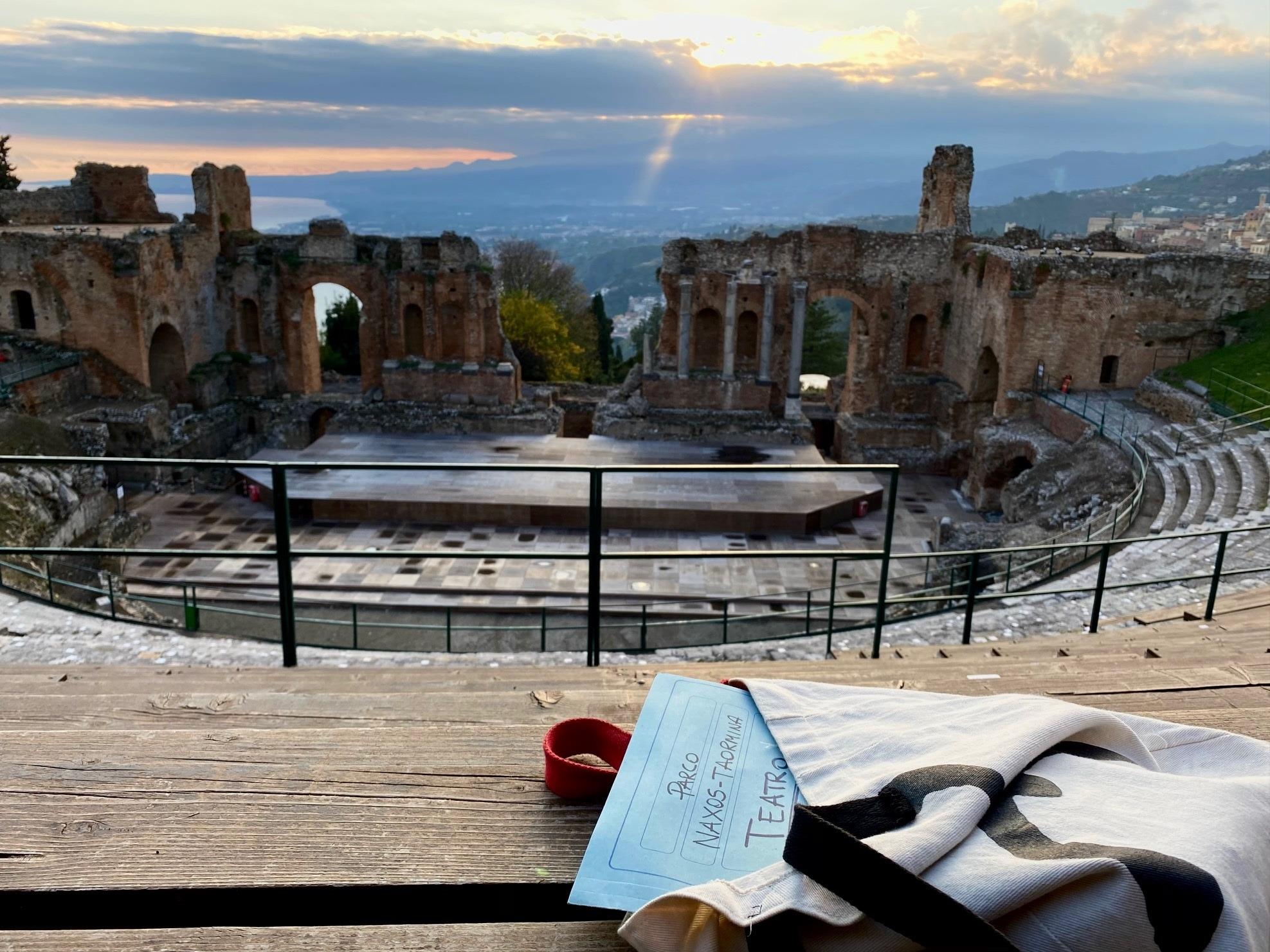 """""""A riveder le stelle"""": tornano le visite serali al Teatro Antico di Taormina"""