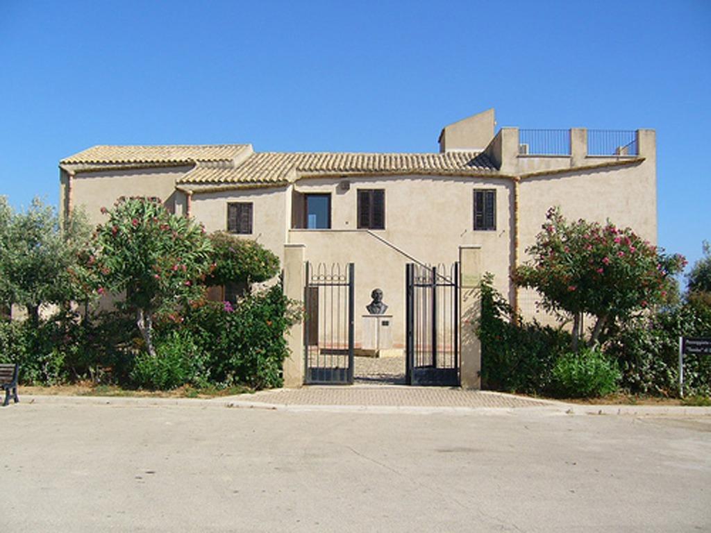 casa-museo-pirandello-1609839227.jpg