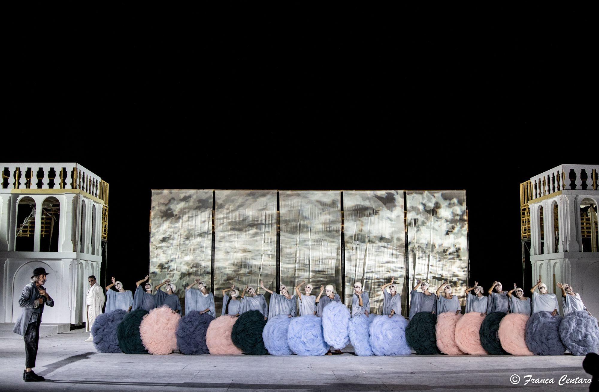 """""""Ripartiamo"""", il monito di Dante all'Italia nella ricostruzione dello scrittore Aldo Cazzullo"""