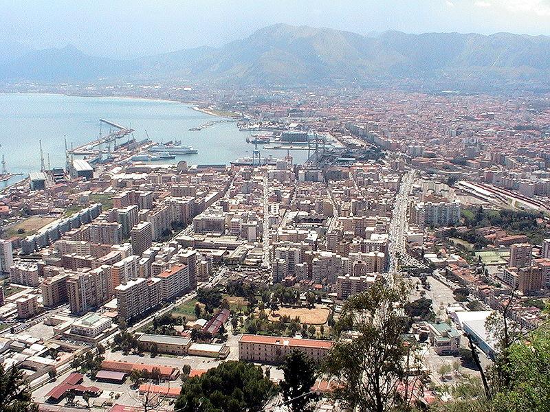 Dolce e Gabbana e la Sicilia. Gli stilisti svelano i loro 10 buoni motivi per visitare Palermo