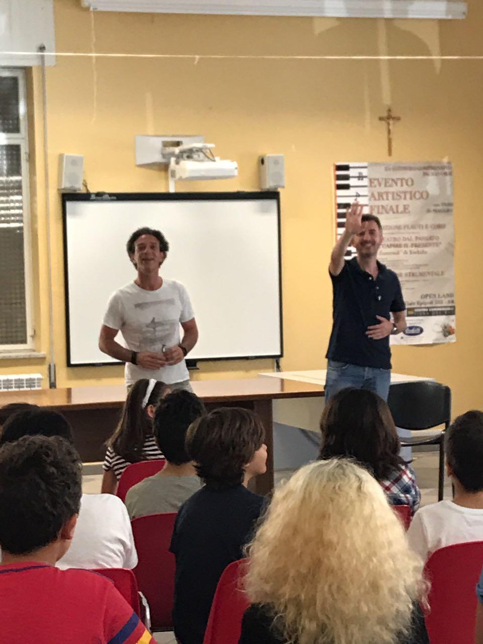 """Ficarra e Picone e la loro lezione alla scuola media """"Paolo Orsi"""""""