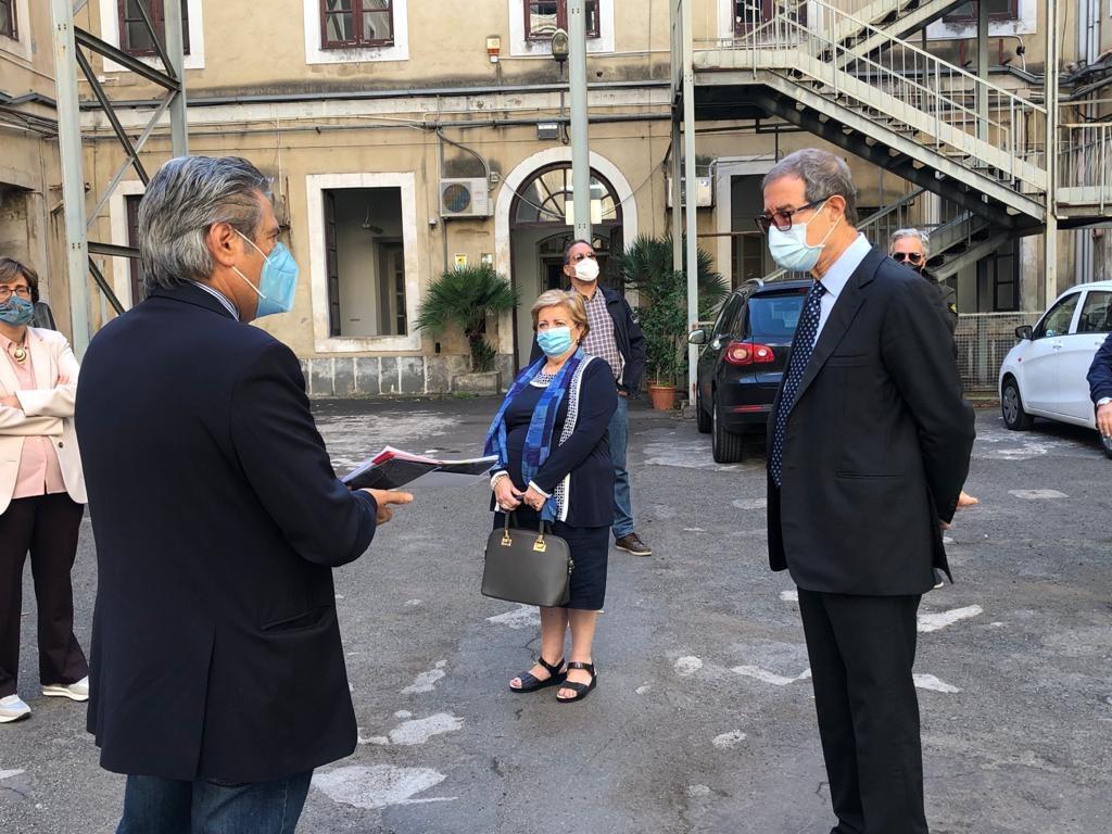 L'ARTE ESCE IN STRADA: mostra itinerante en plein air a Catania